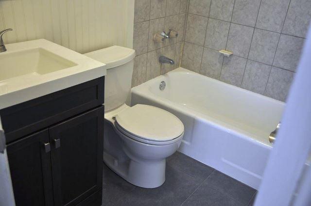 1416 Bathroom Before